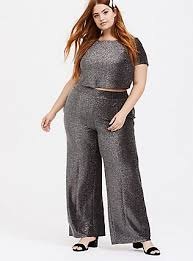 <b>Plus Size Holiday</b> Dresses: Christmas, New Year's Eve & More | Torrid