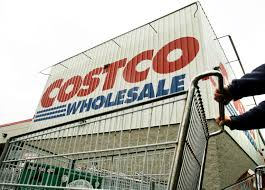 costco pays retail employees 20 an hour business insider