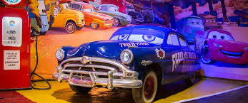 Author's guide to St. Petersburg - Museum of <b>American</b> Cars <b>Route 66</b>