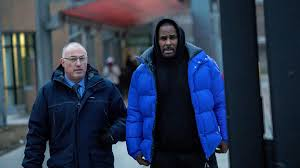 R. Kelly walks out of Cook County Jail after posting $100,000 bail ...