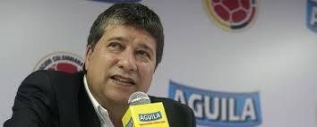 El técnico de Colombia es Hernán Darío Gómez, conocido como ``el bolillo´´. Nació en Medellín, Colombia, hace 55 años. Fue jugador profesional pero una ... - hernan-dario-gomez-bolillo-tecnico-seleccion-colombia-col-02022011-620x250