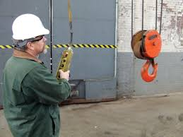 lifting guide hoist safety tips every rigger operator should if there is any doubt about the safety of the equipment or lift stop the hoist lower the load and report the condition to the supervisor