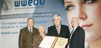 Nach dem Ausscheiden aus der Politik rief Dr. Martin Stieger gemeinsam mit engagierten Mitstreitern die Bildungseinrichtung WWEDU (World Wide Education) ins ... - pic-1415