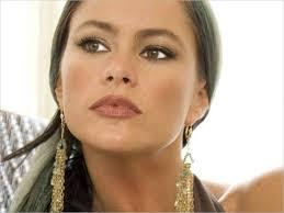 A bela atriz colombiana Sofia Vergara foi citada pela revista Forbes como a profissionais mais bem paga da televisão americana. - sofia-vergara
