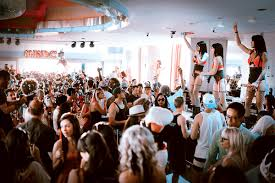 the leading las vegas party bus company turnt up tours ghostbar dayclub gbdc