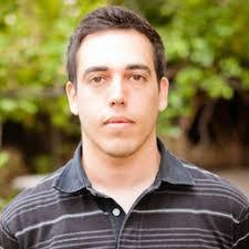 Javier de Vega. Responsable de Comunicación. Formado en periodismo y especialista en comunicación, Javier ha desarrollado su experiencia laboral en los ... - javier