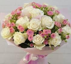 <b>Букет</b> из одноголовой и <b>кустовой</b> розы