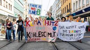 Fridays for Future: Über 2000 Schüler demonstrierten in Würzburg ...
