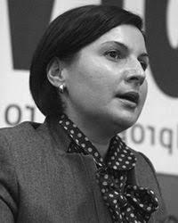 Adina Andrei are o experienta de aproximativ 14 ani in cadrul METRO Cash & Carry Romania, ocupand, incepand cu luna februarie 2009, functia de Head of Fresh ... - adina_andrei