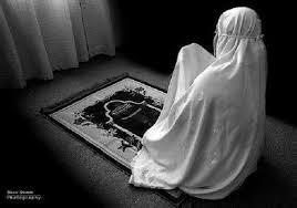 Hasil carian imej untuk gambar muslimah solat