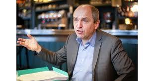 """""""Mille milliards d'euros par an pour la transition énergétique"""", réclame l'économiste Pierre Larrouturou - Transition énergétique"""
