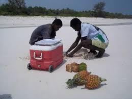preparazione frutta durante <b>l</b>'escursione coi <b>beach boys</b> - Picture of ...