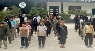 Resultado de imagen de imagenes de niños soldados campos entrenamiento del estado islamico