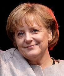 Angela Merkel, chancelière de l'Allemagne. 494. Oubliez Brangelina; le couple de l'heure est définitivement celui formé par le duo Merkel-Sarkozy (Merkozy), ... - 225px-Angela_Merkel_(2008)_(cropped)