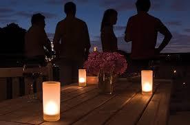 Lanterne Da Giardino Economiche : Idee per arredare il balcone di casa