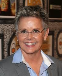 Actress Amanda Bearse attends Family Equality Council's annual Los Angeles awards dinner at The Globe Theatre on February 8, 2014 in Universal City, ... - Amanda%2BBearse%2BFamily%2BEquality%2BCouncil%2BAnnual%2BDngbmEeM8jJl
