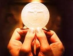 Suy niệm trước Thánh Thể - năm Tân Phúc Âm hóa đời sống giáo xứ và cộng đoàn thánh hiến