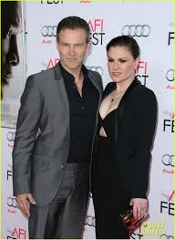 stephen moyer anna paquin couple up for concussion premiere stephen moyer anna paquin couple up for concussion premiere photo 3505804 anna paquin ewan mcgregor stephen moyer pictures just jared