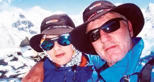 Nikola Jovović iz Kragujevca se u svojoj šesnaestoj godini (2010.) zajedno sa svojim ocem popeo na vrh Čukung Ri, visok 5.560m. Do tada se Nikola peo samo ... - nikola-jovovic