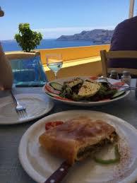 skala restaurant amazing restaurant in oia santorini skala salad and the spanakopita are amazing restaurant media