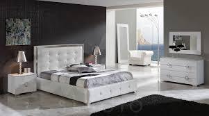 King Size Bedroom Sets Modern Queen 5 Pc Bedroom Set Kingsbury The 4 Piece Queen Bedroom Set In