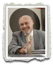 Dr. Hans-Jürgen Arlt, geboren 1948, arbeitet in Berlin als Publizist und Kommunikationswissenschaftler. Am Otto-Suhr-Institut der Freien Universität sowie ... - hans_juergen_arlt