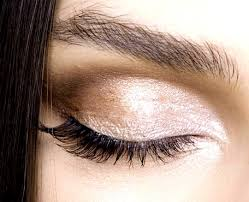 these eye shapes are wonderful however deep set eyes need cern techniques to make them appear visually bigger let 39 s see how to apply makeup to open up