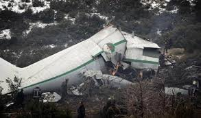 وزيرالثقافة ينجو بأعجوبة من سقوط طائرة كان على متنها