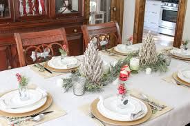 post dining room table this post has great ideas for decorating your dining room for christma