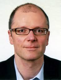 Né en 1972, Christophe Mauron a suivi des études en Lettres (histoire et journalisme) à l'Université de Fribourg. Conservateur au Musée gruérien et ... - Mauron_Christophe