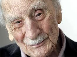 Escritor, filósofo y sociólogo español, Francisco Ayala nació en Granada el 16 de marzo de 1906. Está considerado una de las principales voces literarias ... - francisco%252Bayala