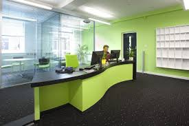 important elements to consider while planning office interior design green office room decor awesome unique green office design