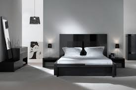 modern master bedroom design ideas with black high gloss finish wooden platform beds equipped white square bedroomcool black white bedroom design