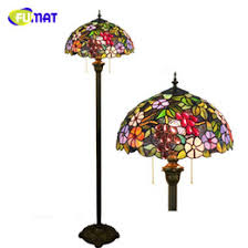 China Vintage Stained Glass Lamps Suppliers