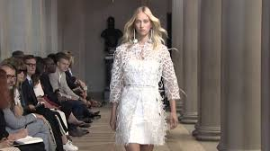 Spring <b>2016 Fashion</b> Show | Carolina Herrera <b>New</b> York - YouTube