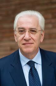 Così chiude il suo intervento Paolo Foti, candidato sindaco del centrosinistra, alla presenza ... - PAOLO_FOTI_IMG