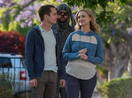 interview wilfred stars fiona gubelmann and chris klein talk interview wilfred stars fiona gubelmann and chris klein talk relationships and heroism