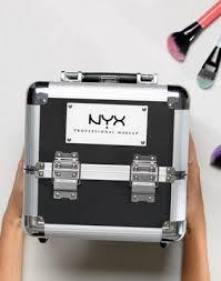 <b>Косметичка NYX Professional Makeup</b>   ASOS