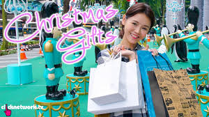 Christmas Gifts - Budget Barbie: EP110 - YouTube