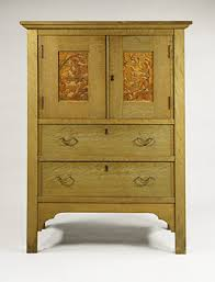 the arts and crafts movement in america  essay  heilbrunn  linen press