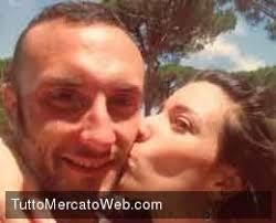 Il capitano del Livorno, Andrea Luci e la sua bellissima moglie Lisa si sono conosciuti durante una serata tra amici in comune, per loro e' stato amore a ... - 2dd72331e436b4a2e76099371f1ed09c-1379516178