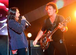 don t stop believin journey s 5 greatest moments arnel arnel pineda and neal schon photo credit ethan miller getty images