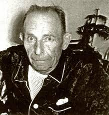 Il se prénomme Julien, mort en 1970. dons paranormaux,intuition,Archimède,tests. Portrait de Julien servant au test des fleurs séchées. - 3767026547