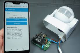 Arduino with <b>PIR Motion Sensor</b> | Random Nerd Tutorials