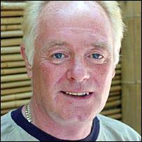 "Bruce Jones as Les Battersby in Coronation Street. ITV said it was taking the allegations ""very seriously"" - _42734197_brucejones_itv203b"