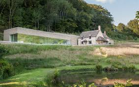 architect richard found carves his home into the cotswold landscape build home cotswold