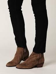 Znalezione obrazy dla zapytania harry styles shoes
