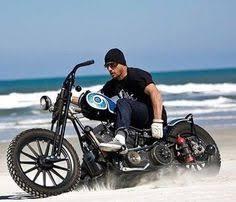 Pin by Cezar Garsianu on Bobbers | <b>Motorcycle helmets</b>, <b>Motorbikes</b> ...