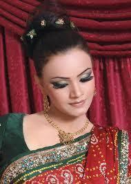 إطّلعي على صور أجمل تسريحات هندية