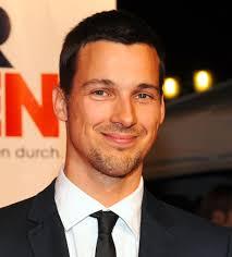Florian David Fitz ganz privat. Der RTL-Star im Exklusiv-Interview. Florian David Fitz ganz privat. Kaum ein deutscher TV- und Kinostar ist so umschwärmt ... - 2970